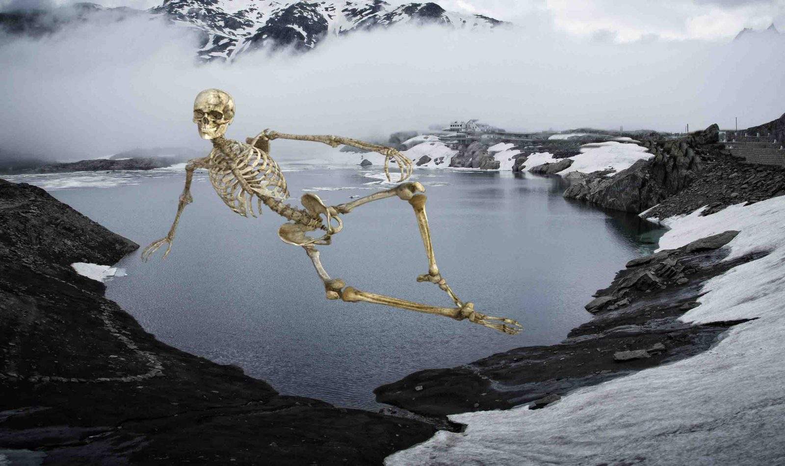 mysterious place -Roopkund - Skeletons lake