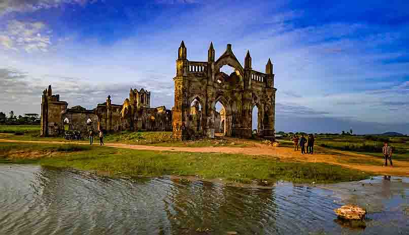top 10 Mysterious places in india - Shettihalli Rosary Church
