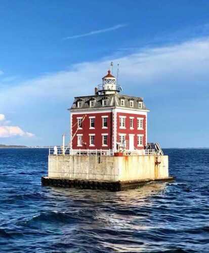New London Ledge Light House