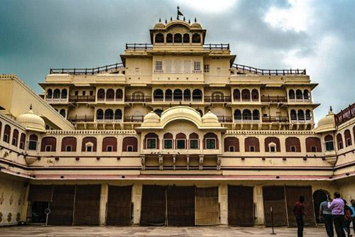 City Palace Jaipur famous tourist place in Jaipur