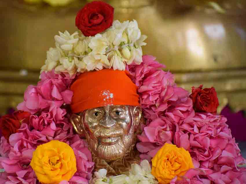 A Complete Travel Guide to Shirdi Sai Baba: Timing, Images