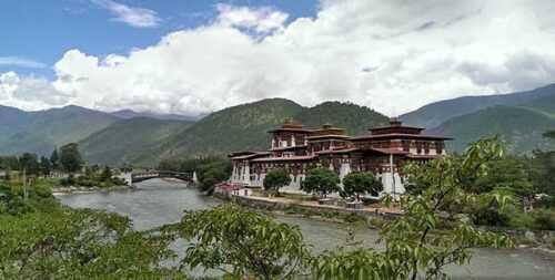 Trekking-in-Bhutan-pic