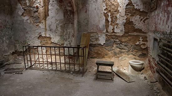 Eastern-State-Penitentiary-images