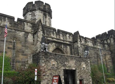 Eastern-State-Penitentiary-photos