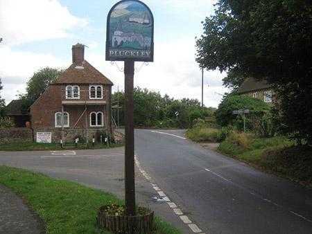 Pluckley-Village