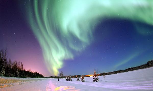 adventure-places-in-canada-Northern-Lights