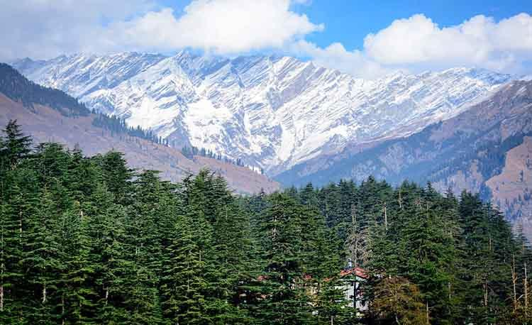 Manali best destination with family.