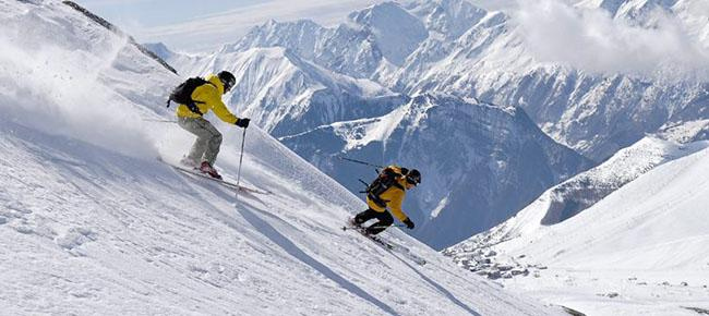 Skiing in Auli Auli Places to Visit in Auli
