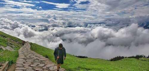 Chopta Chandrashila Trekking path